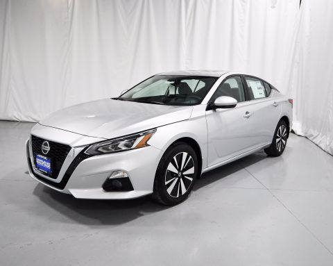 New 2020 Nissan Altima 2.5 SV AWD 4dr Car